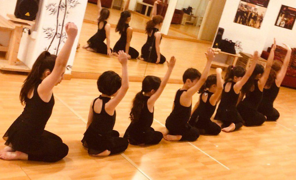 unpassoavanti Corsi baby Danza moderna